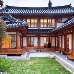 Asian Architecture, Residential Architecture, Architecture Design, Japanese Style House, Traditional Japanese House, Tuscany Homes, Pink Bedroom Decor, House Blueprints, Dream House Exterior