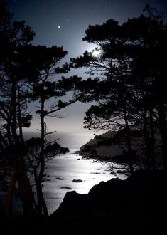 Beauty Beautiful Moon, Beautiful World, Beautiful Images, Moon Pictures, Pretty Pictures, All Nature, Amazing Nature, Shoot The Moon, Jolie Photo