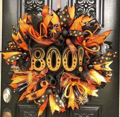 Affordable Diy Halloween Wreaths Design Ideas That Looks Elegant Theme Halloween, Halloween Home Decor, Diy Halloween Decorations, Holidays Halloween, Halloween Crafts, Halloween Ideas, Happy Halloween, Halloween Pictures, Halloween Stuff