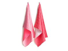Bright, fun and practical! Make doing dishes fun with these Hay Tea Towels! All Hay Tea Towels come in a set of two.