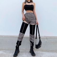 Cargo Pants Women, Trousers Women, Pants For Women, Edgy Outfits, Cute Outfits, Girls Summer Outfits, Summer Girls, Fashion Pants, Fashion Outfits
