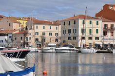 Stadthafen von La Maddalena (Cala Gavetta) #sardinien #segeln #urlaub