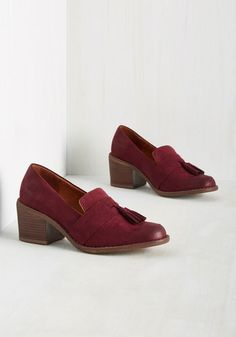 From the cafe to chemistry class, you charm everyone you encounter with this pair of burgundy heels by BC Footwear. With their vegan faux-suede uppers and winsome, loafer-inspired styling, these tasseled kicks educate your peers on well-educated footwear decisions.