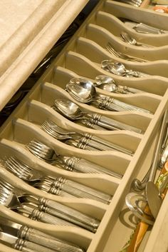 this will drive most people crazy--having to sort special spoons, forks etc.  Having this kind of organization works best for entertaining efficiencies. Kitchen Organization via Design Chic
