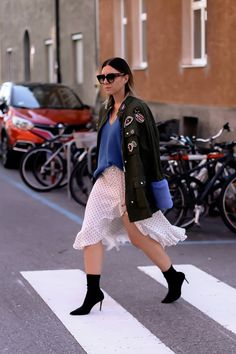 contains unsolicited advertising. Autumn fashion what is modern in autumn 2018 … – diet and nutrition Fall Fashion Colors, Autumn Fashion 2018, Colorful Fashion, Fashion Weeks, Fashion Magazin, German Fashion, Adidas Outfit, Fashion Group, Chic Outfits