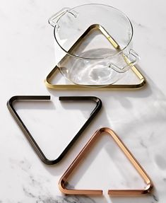 this 3-piece trivet set from CB2 inspiration is the perfect way to bring metallics into your space. check out more inspiration for your fridays on jojotastic.com