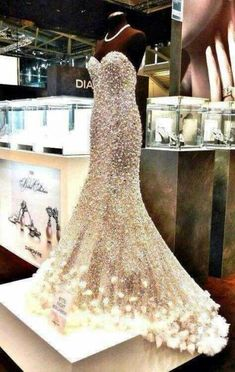 diamond dress ♥♥♥♥♥♥♥♥ #promdress -tweddingdress.com. Wow I bet it is heavy. Bodyguard required.
