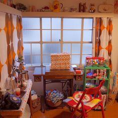 1970s Decor, 70s Home Decor, Washitsu, Humble Abode, Decoration, Cute Wallpapers, Cribs, Logs, Architecture Design