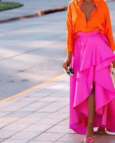 Neon orange blouse and neon pink skirt Maxi Skirt Outfits, Neon Outfits, Neon Dresses, Mode Outfits, Fashion Outfits, Maxi Skirts, Fashion Now, Pink Fashion, Colorful Fashion