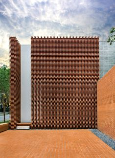 Image 1 of 14 from gallery of Guilherme Torres Office / Studio Guilherme Torres. Photograph by Denilson Machado – MCA Estúdio Modern Architecture Design, Modern Architecture House, Facade Architecture, Modern House Design, Chinese Architecture, Futuristic Architecture, Modern Houses, Brick Masonry, Brick Facade