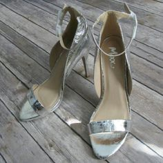 """""""Foiled Again"""" stilettos Ankle strap stiletto in a gorgeous metallic silver. These shoes are highly reflective. Would look great at night.  Heel measures 4.5"""".  DD 27.05.16 Mixx Shuz Shoes Heels"""