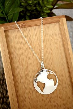 Gemstone Necklaces Make Your Mark Earth / Globe / World Necklace You are going to wear this? Cute Jewelry, Jewelry Box, Silver Jewelry, Jewelry Accessories, Fashion Accessories, Jewelry Necklaces, Jewlery, Fall Jewelry, Simple Jewelry