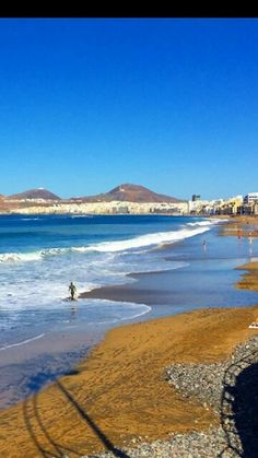 Las #Canteras, Las Palmas de Gran Canaria Beautiful Beach Pictures, Tenerife, Balea, Holiday Places, Spain And Portugal, Most Beautiful Beaches, Canary Islands, Places Ive Been, Sailing
