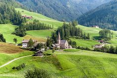 ITALIAN ALPS, Funes - Villnöss - La chiesa di Santa Maddalena - 1.339 mt - s.l.m. | Flickr - Photo Sharing!