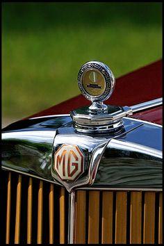 1949 MG TC   ===>  https://de.pinterest.com/ragazzod/mg/