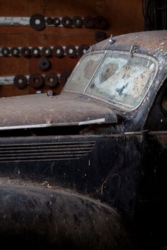 Imagine finding this in your barn. #Barnfinds. #Rust #Junkyard