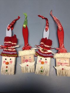 Funny Christmas decorations with brushes - Recycle that old brush and create a beautiful Christmas ornament. You can use brushes of any size e - Christmas Ornament Crafts, Christmas Tree Toppers, Christmas Crafts For Kids, Diy Christmas Gifts, Rustic Christmas, Christmas Projects, Holiday Crafts, Christmas Holidays, Snowman Ornaments