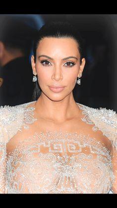 Kim K. #metgala #2015 #kimkardashian #makeup