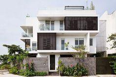 D2 Town House by MM++ Architects