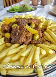 lham mhamer, tajine de viande rotie 1, tender lamb meat, cooked in an electric moroccan tagine.