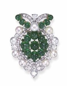 ©️ Christies Art Deco Emerald, Pearl And Diamond Clip Brooch, Cartier c1934