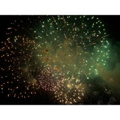 fireworks-green-originality-creativity.jpg (1600×1200) ❤ liked on Polyvore featuring backgrounds