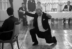 Atatürk  Zeybek  oynarken