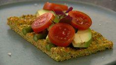 Blomkålsbrød med asparges Avocado Toast, Tapas, Grilling, Snacks, Breakfast, Tv, Diy Jewelry, Morning Coffee, Appetizers