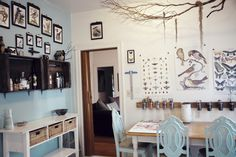 """Caitlin & Dave's """"Victorian Eclectic"""" Apartment in Oakland — House Call"""