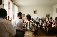 Iulia-Andrei-traditional romanian wedding_land of white deer (22)