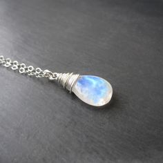 Hey, I found this really awesome Etsy listing at https://www.etsy.com/listing/172691499/moonstone-necklace-rainbow-moonstone