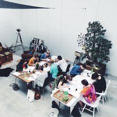 We waren weer in België! Workshop moderne kalligrafie in Hyp Studio met @lcnoir. • • • #metmarjet #lechatnoir#hypstudio #hyp…