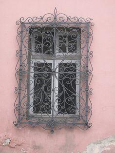 Barrio Yungay Window, Santiago