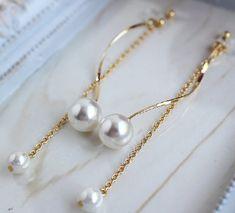 Spiral Gold Clip On,Dangle Chain Clip On,Non Pierced Earrings,Spiral Earrings Gold,Drop Pearl Earrings,Long Chain Clip On,Large Pearl Clips https://etsy.me/2xA4bN6 #akusesarjuer #iyaringupiasu #howaito #rtabu #grudo #infiniti #danshn
