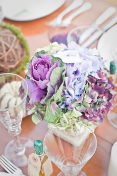 So pretty and rustic looking! Hydrangea & Kale take center stage.