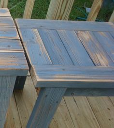 How to make a simple bench from scrap reclaimed lumber. After removing an old deck I salvaged some of the boards to make simple benches from Diy Furniture Chair, Outdoor Garden Furniture, Repurposed Furniture, Cheap Furniture, Rustic Furniture, Furniture Makeover, Outdoor Decor, Furniture Ideas, Outdoor Ideas