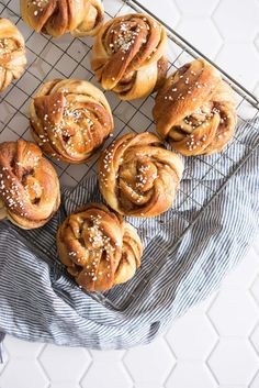 Swedish Cinnamon Rolls filled with a sweet cinnamon and cardamom filling, then twisted into knots and loaded up with pearl sugar. A perfect, warming treat Swedish Cinnamon rolls - cardamom spiced dough filled with a perfectly spiced filling Easy Cookie Recipes, Sweet Recipes, Baking Recipes, Bread Recipes, Bun Recipe, Rolls Recipe, Cannoli, Strudel, Beignets