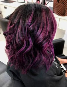 Blackberry Hair Is About To Be This Season's Biggest Trend, And It's As Juicy As… - Schulterlange Haare Ideen Ombre Hair Color, Cool Hair Color, Purple Hair Highlights, Violet Hair Colors, Winter Hair Colour, Hair Colours 2018, Purple Hair Streaks, Purple Balayage, Caramel Highlights
