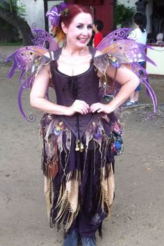 Renaissance fairy! Renaissance Fairy, Renaissance Festival Costumes, Cool Costumes, Adult Costumes, Costume Ideas, Woodland Elf, Fantasy Costumes, Medieval Fantasy, Beautiful Gowns