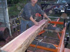 Możesz zobaczyć, jak działają psy z logami Homemade Chainsaw Mill, Homemade Bandsaw Mill, Portable Chainsaw Mill, Portable Saw Mill, Chainsaw Mill Plans, Chainsaw Repair, Saw Mill Diy, Power Carving Tools, Wood Mill