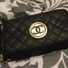 A Pretty Black MK wallet! A pretty black and gold MK wallet I bought last year! I wore a lot so it has wear on it but still in good condition! This is my favorite again and hate to give it up but I am ready to move forward❤️ You will love like I did too! KORS Michael Kors Other