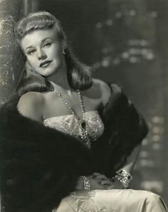 Photo of Ginger Rogers for fans of Ginger Rogers 14574958 Vintage Movie Stars, Classic Movie Stars, Vintage Movies, Classic Movies, Hollywood Photo, Old Hollywood Glamour, Golden Age Of Hollywood, Classic Hollywood, Ginger Rogers