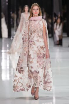 Ralph & Russo at Couture Spring 2018 - Runway Photos