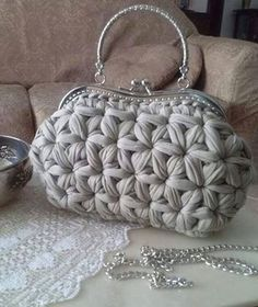 andrea croche: crochet bag with wire meshAmazing Crochet handbags or Crochet handbags prices then Check out internet site simply press the bar for even more info ~Wanting a Crochet handbags on sale or handbags Crochet then Learn more at the web above Crochet Star Stitch, Bag Crochet, Crochet Clutch, Crochet Handbags, Crochet Purses, Crochet Stitches, Crochet Patterns, Yarn Bag, Knitted Bags