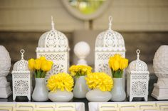 LOVE this decor! Photography by http://www.hazelnutphotography.com/ >> beautiful with the white and yellow!