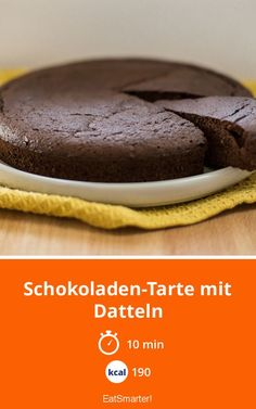 Schokoladen-Tarte mit Datteln Chocolate tart with dates - smarter - calories: 190 kcal - time: 10 min. Food Cakes, Bundt Cakes, Easy Smoothie Recipes, Snack Recipes, Cupcake Recipes, Pie Recipes, Healthy Baking, Healthy Desserts, Healthy Food
