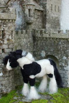 Needle felted Gypsy Vanner horses as well as other breeds and pets by commission.  Also makes a wonderful memorial as I can even incorporate your pets fur/fiber into the sculpture.  www.TulipanFarm.etsy.com