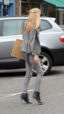 Kate Moss Street Style - grey blazer, skinny jeans and heel boots