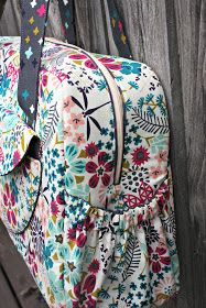 Sew Sweetness: Aragon Bag (makes a great diaper bag or carry-on)