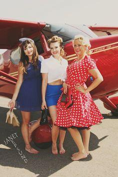 Vintage Glamour Grou